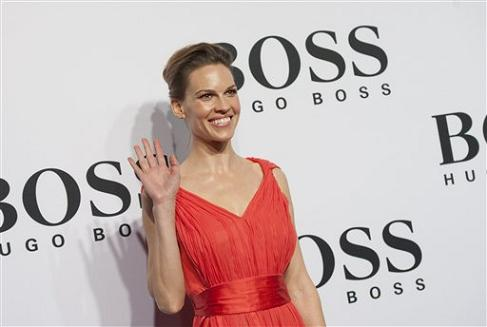 hilary-swank-fashion-week-berlin.jpg