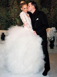 wedding-dress-by-marchesa