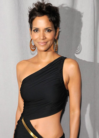 Halle-Berry-Fifi-Awards-103949