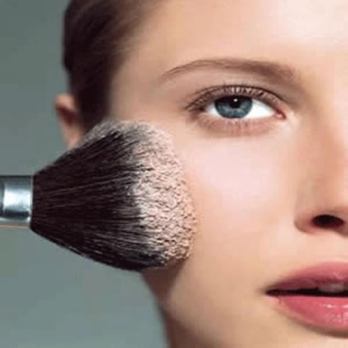Make-Up-Application-103934