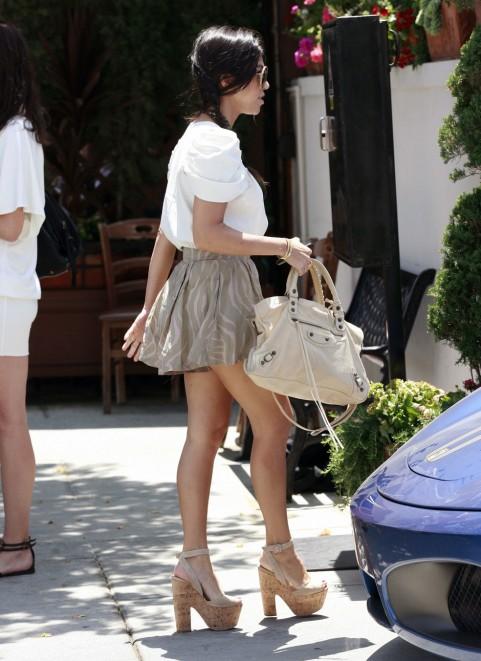 Kourtney Kardashian Fashion Style 400349 Heaven On Earth