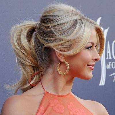 Loose-Pony-Tail-WithLayers-Julianne-Hough