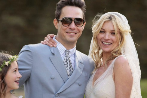 Kate-Moss-Marries-Jamie-Hince-100284