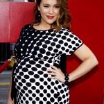 Alyssa-Milano-Pregnant-100291A