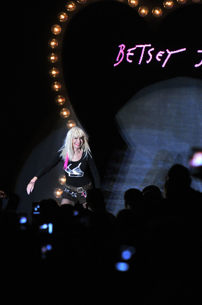 Betsey-Johnson-Spring-2012-Mercedes-Benz-Fashion-Week-000023