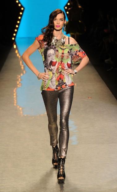 Betsey-Johnson-Spring-2012-Mercedes-Benz-Fashion-Week-400756