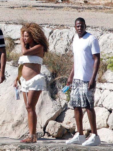 Beyonce-Pregnant-Belly