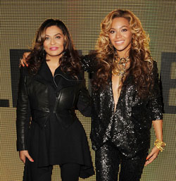 House-Dereon-Launch-Beyonce-Tina-Knowles-400394A