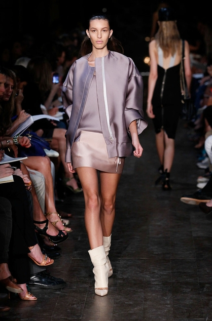Victoria-Beckham-Spring-2012-Collection-Mercedes-Fashion-Week-500784