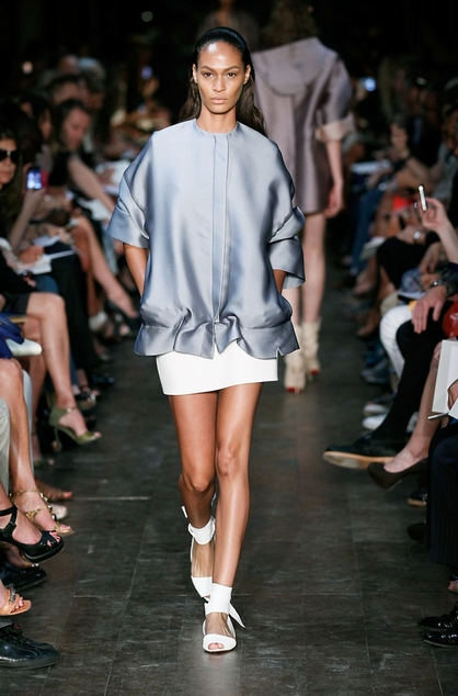 Victoria-Beckham-Spring-2012-Collection-Mercedes-Fashion-Week-600546