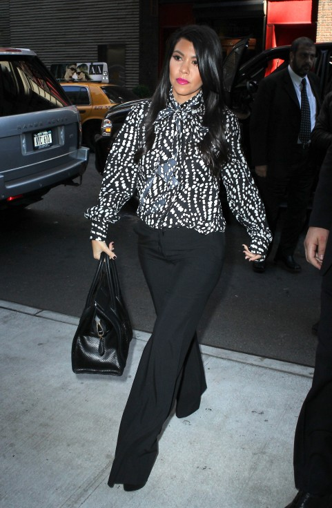 Kourtney-Kardashian-Today-Show-NYC-200343
