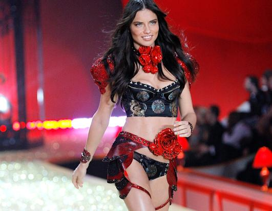 Adriana-Lima-Victoria-Secret-Supermodel-100293
